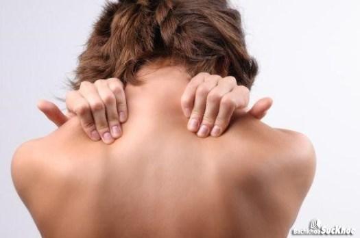 Bệnh nhân chấn thương cổ có triệu chứng đau cổ