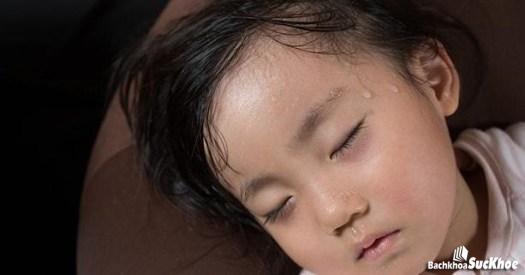 Cho trẻ ngủ ở không gian thoáng mát, rộng rãi
