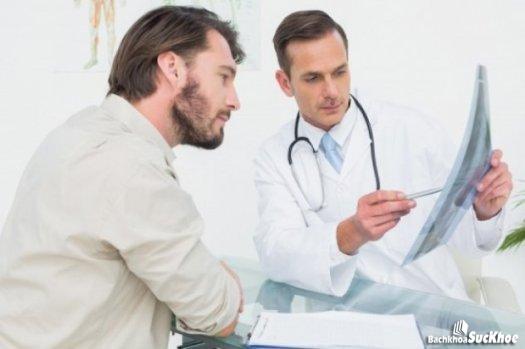 Nam giới cần đến thăm khám bác sĩ thường xuyên