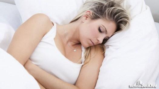 Phụ nữ bị viêm nhiễm đường sinh dục không nên đặt vòng