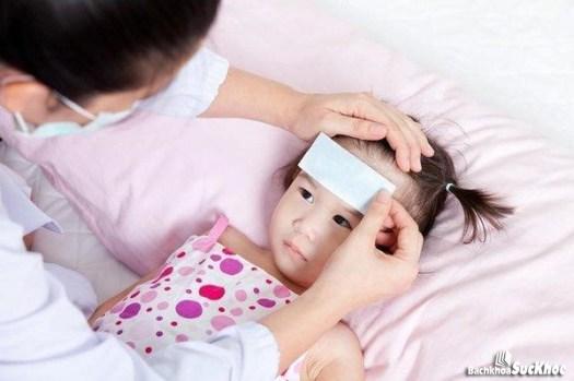 Triệu chứng thường gặp của viêm màng não