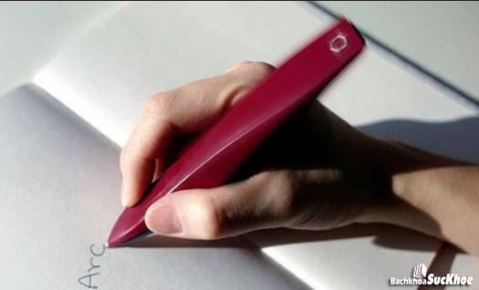 Cử động tay khó khăn khiến cho chữ viết thay đổi
