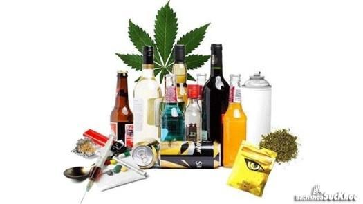 Thuốc lá, rượu bia là 1 nguyên nhân dẫn tới căn bệnh